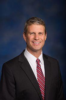 Bill_Huizenga_official_congressional_photo