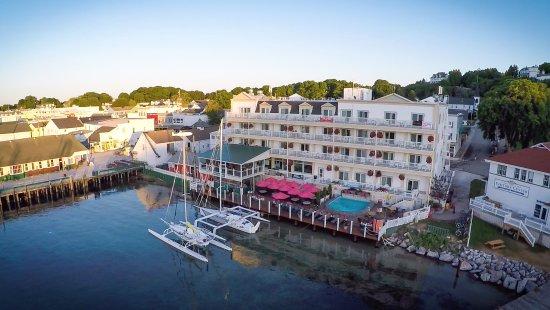 chippewa-hotel-waterfront.jpg